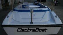 electric-boat-aft